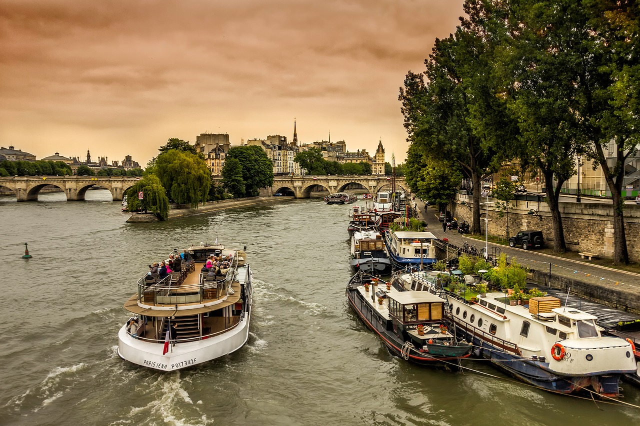 Paris 4 day itinerary seine 2