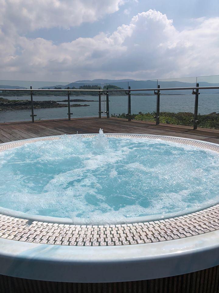 Parknasilla hot tub
