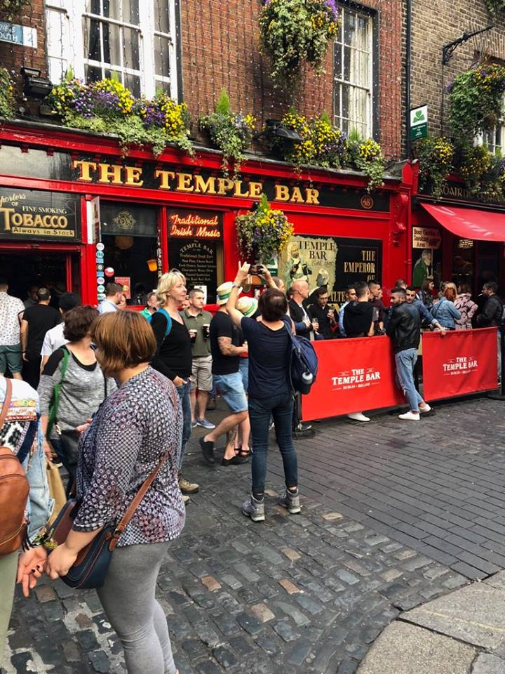 2 days in Dublin itinerary Temple crowds