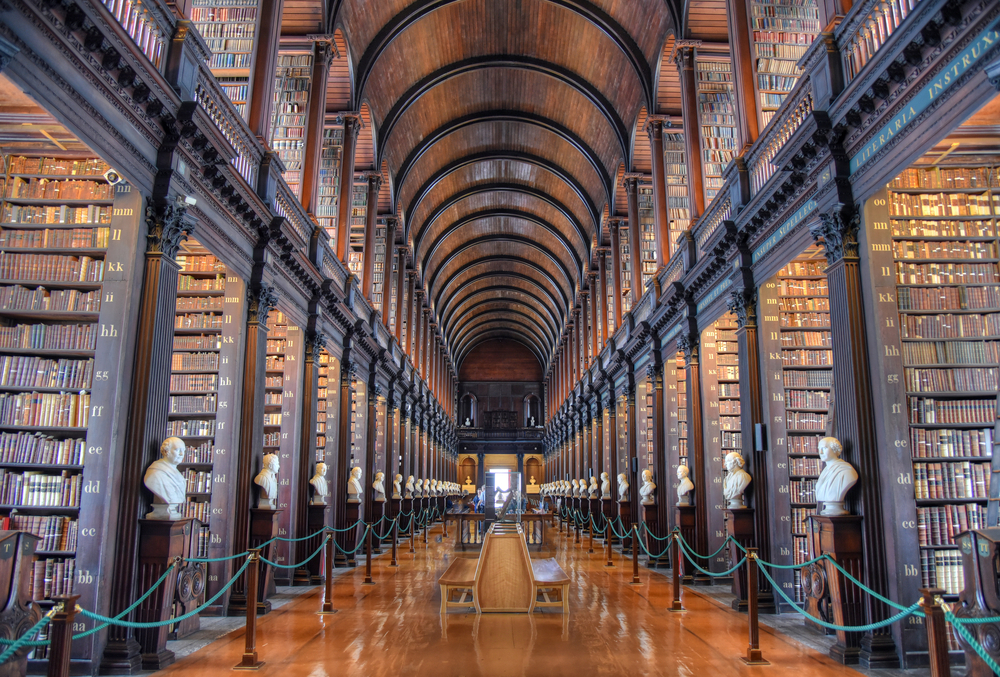 2 days in Dublin Itinerary LONG Room library
