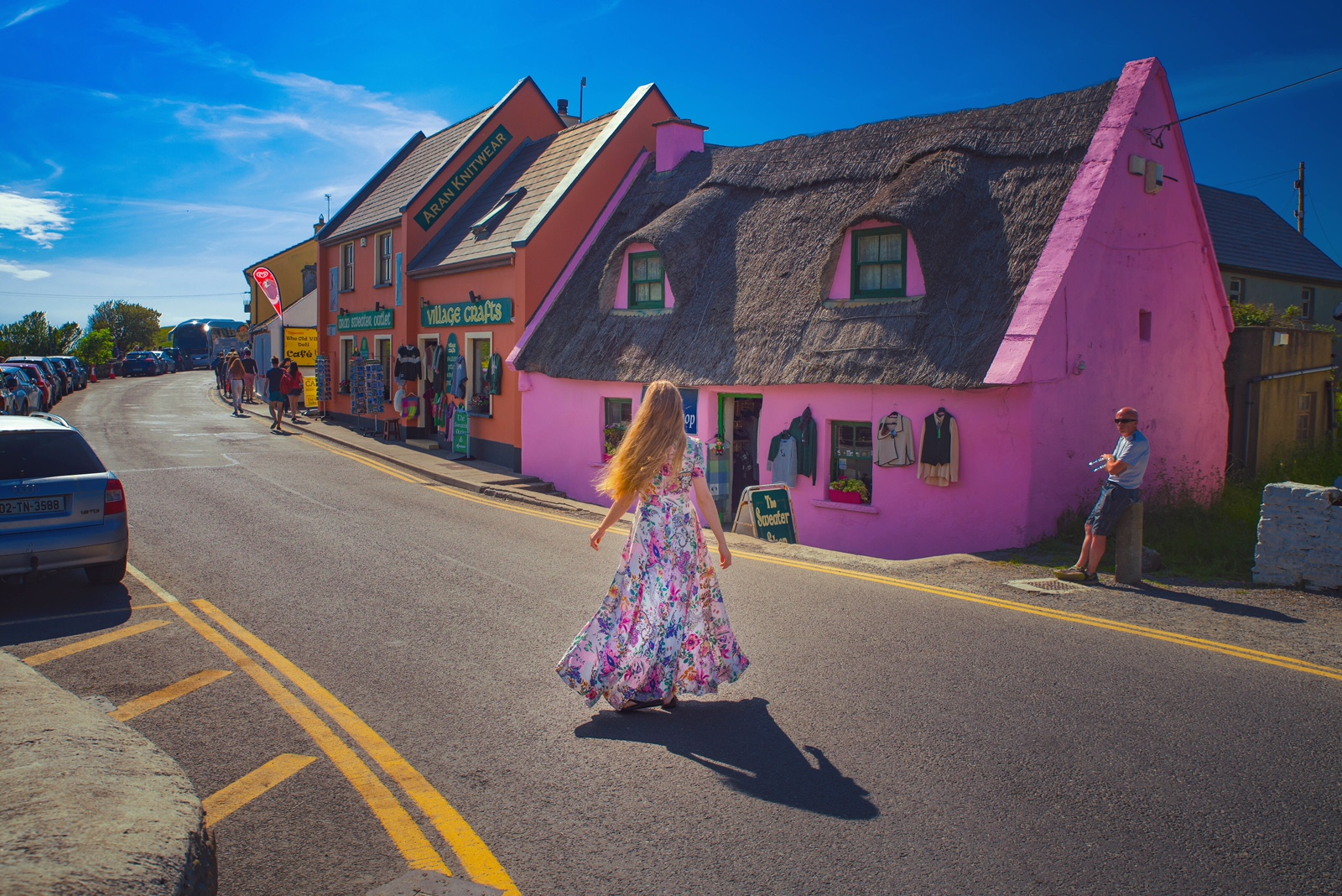 things to do in Doolin pink house VJ
