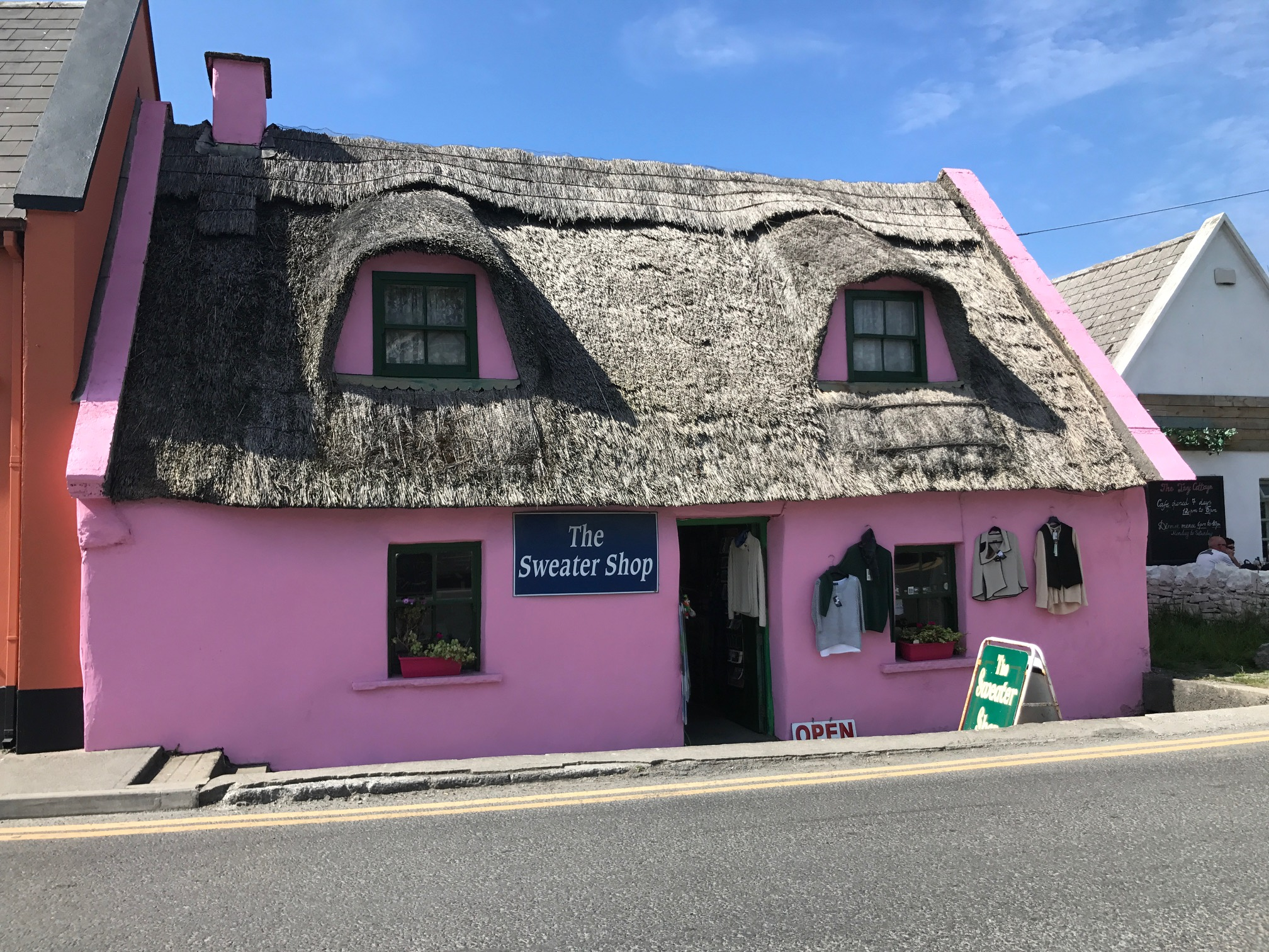 Ultimate 7 day Ireland itinerary Doolin pink house