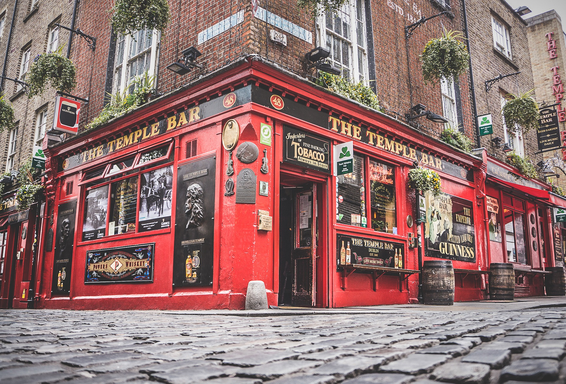 & DIreland itinerary Temple Bar
