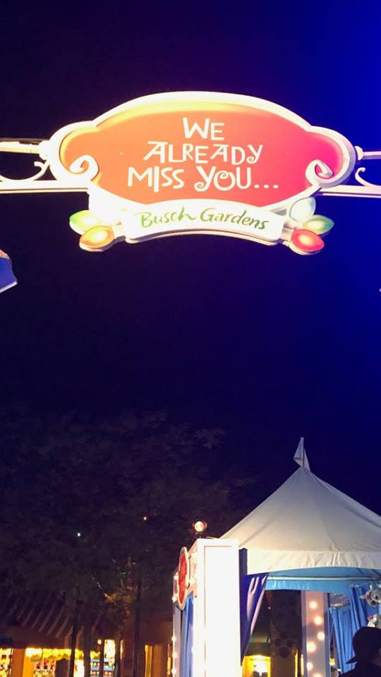 BG Christmas town missing you sign