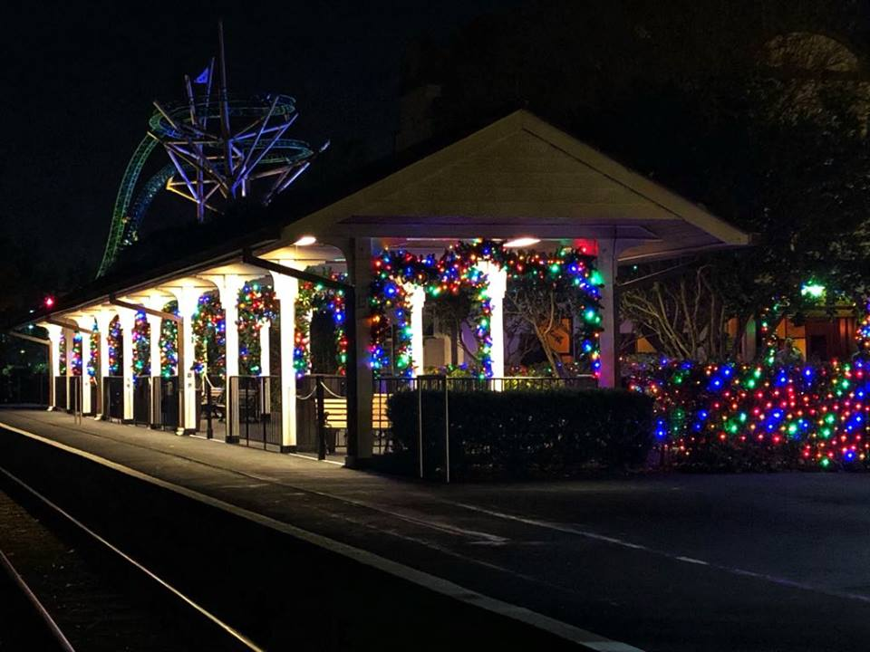 BG Christmas town train station