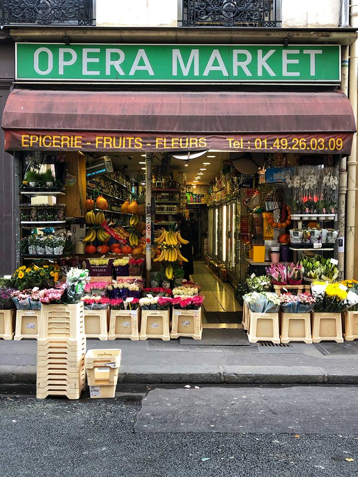 Vegan in Paris Opera Market