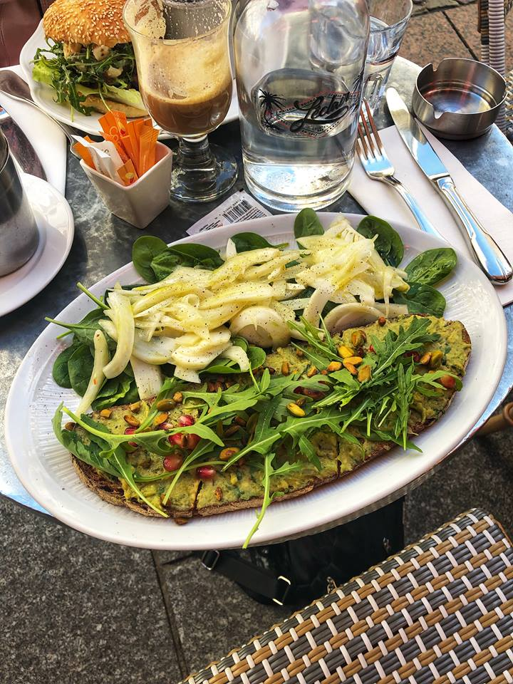 Vegan in Paris avocado toast