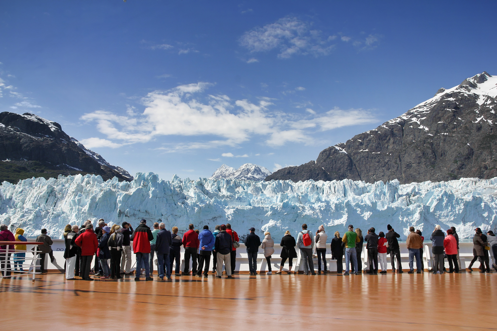 Alaska cruise packing list passengers watching glacier