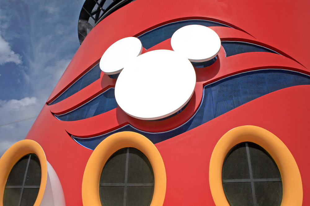 Disney cruise packing list portholes with logo