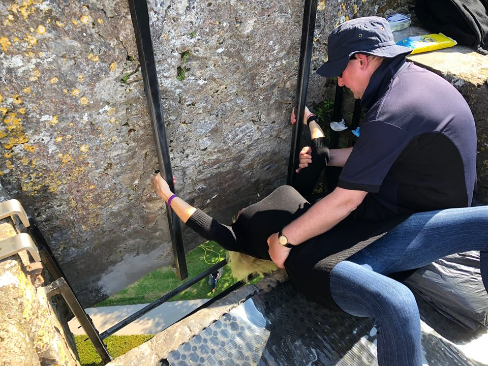 Kiss the Blarney Stone Kissing