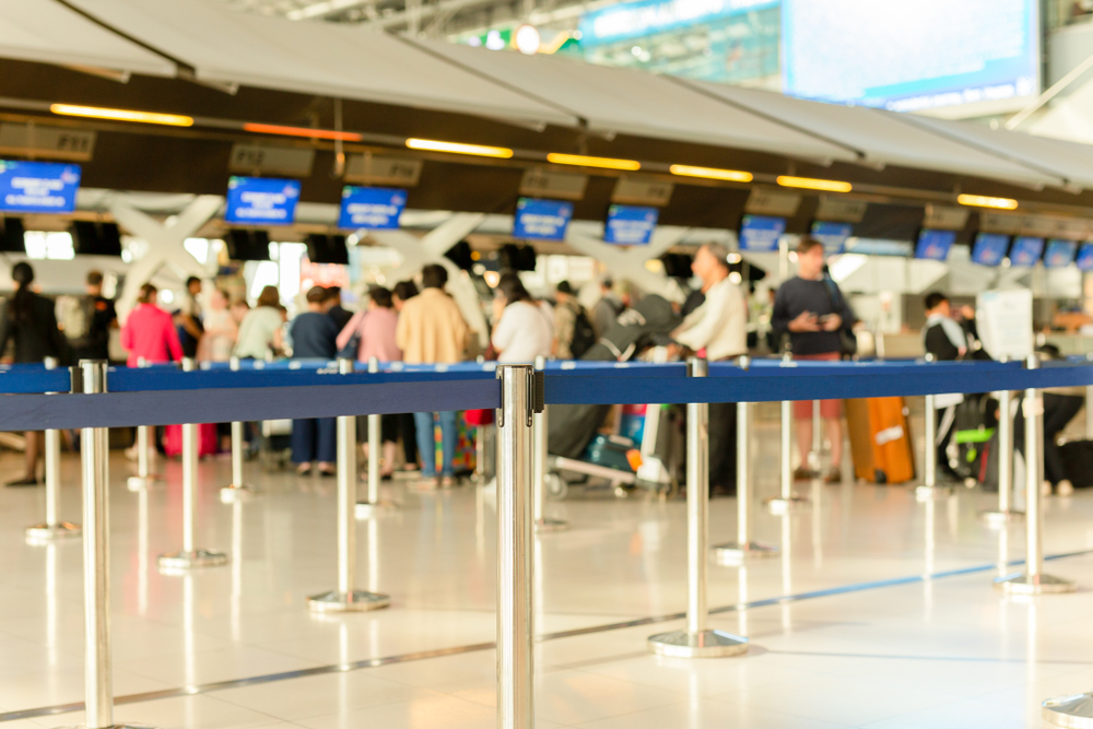 how to pack lightly passenger check in lines