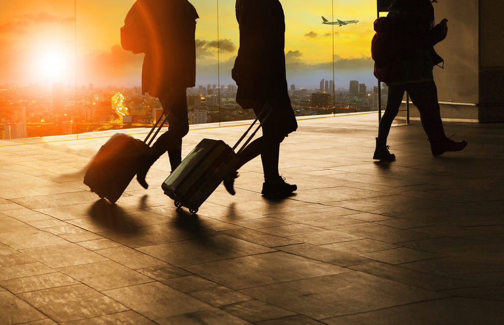 How to Pack lightly passengers with suitcases