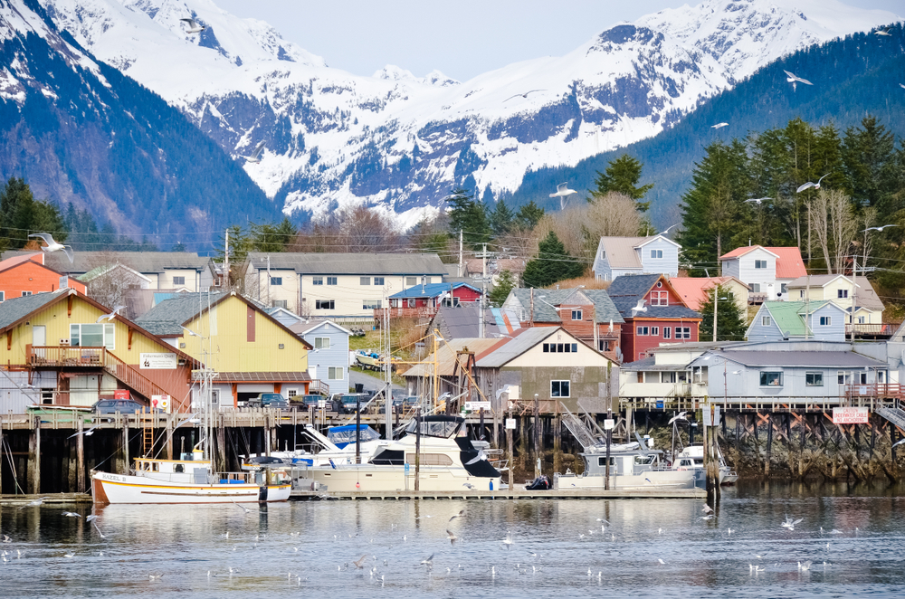 13 Most Picturesque Towns In Alaska You Must Visit - Linda On The Run
