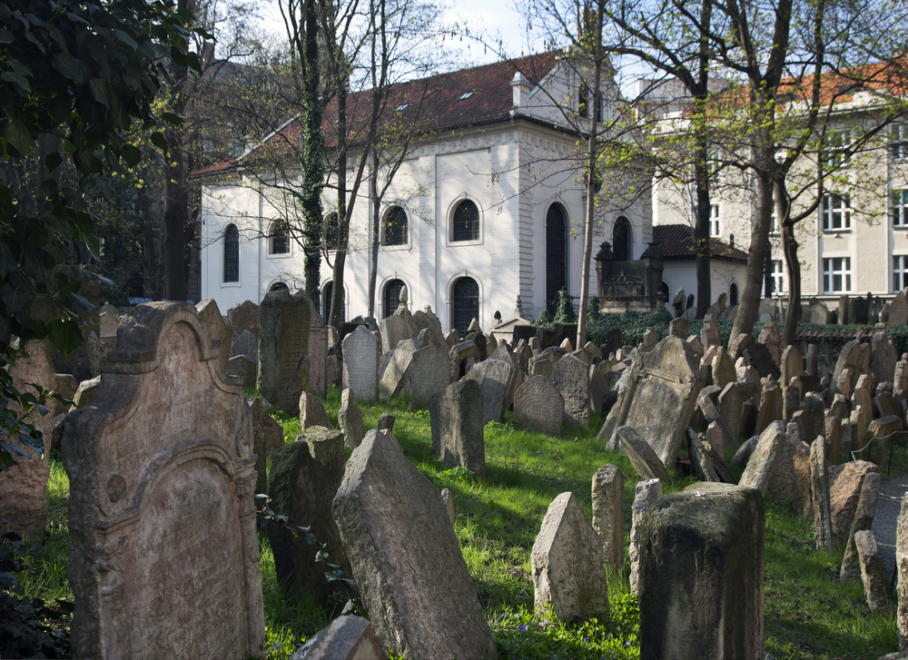 2 Days in Prague Jewish Cemetery
