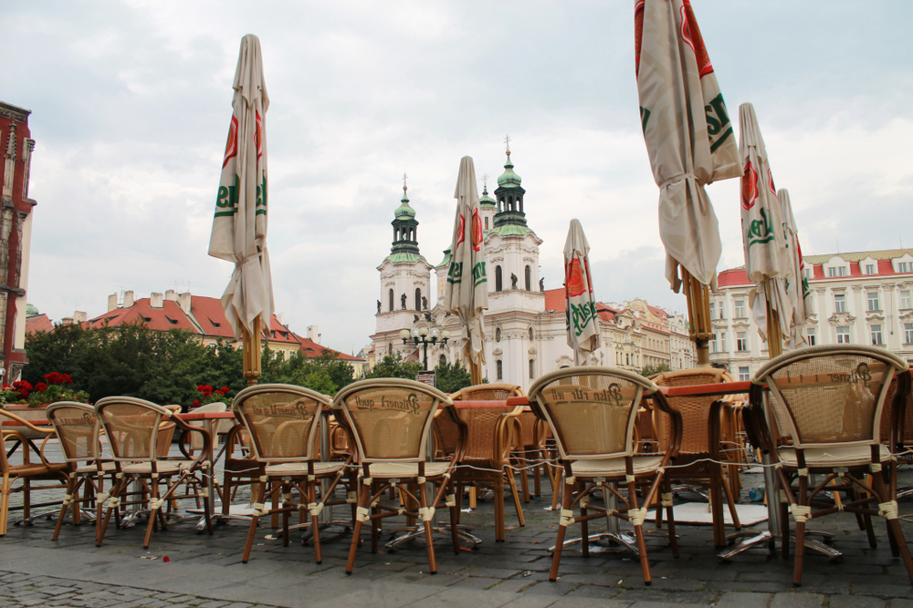 2 Days in Prague outdoor cafe