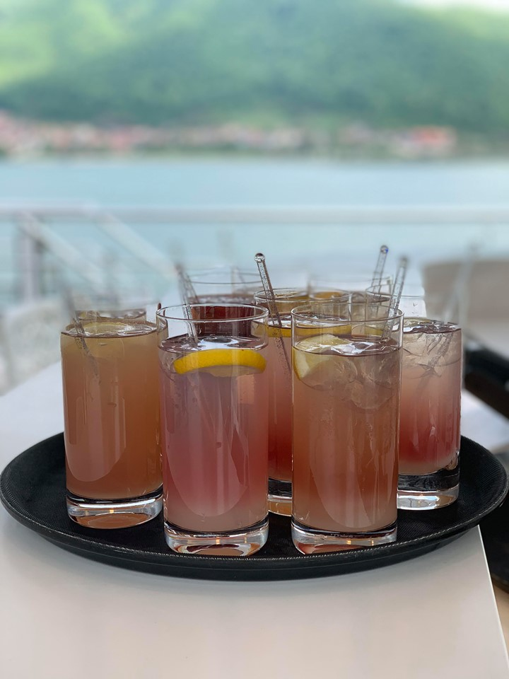 Crystal River Cruises cocktails