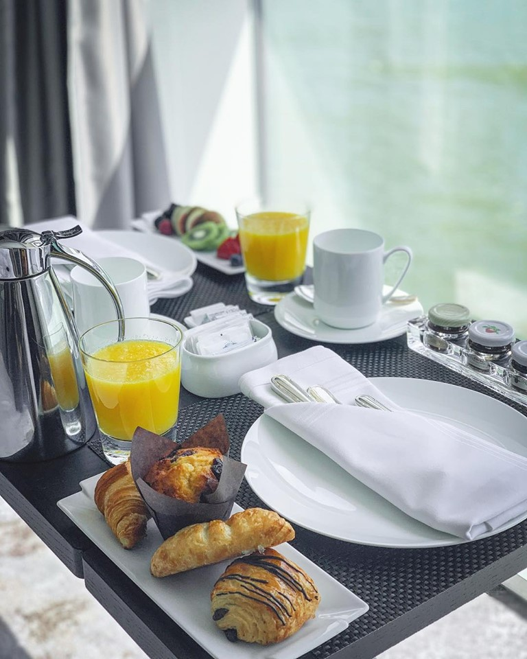 Crystal River Cruises room service