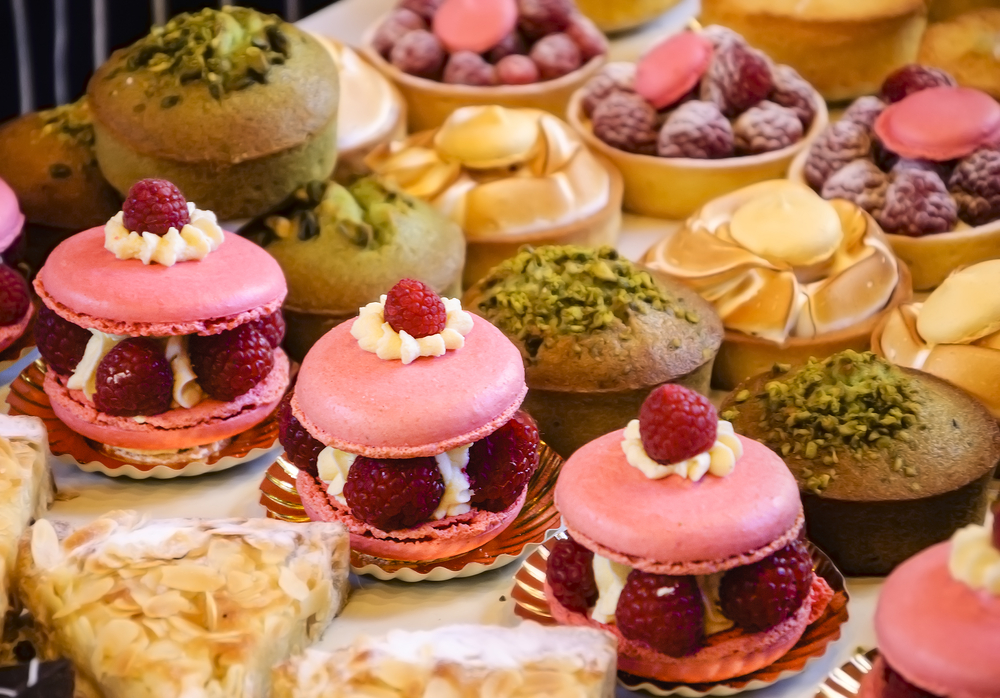 Add visiting Paris' pastry shops to your 4 days in Paris itinerary