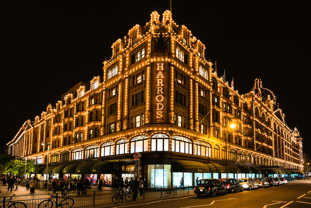 3 days in London Harrods at night