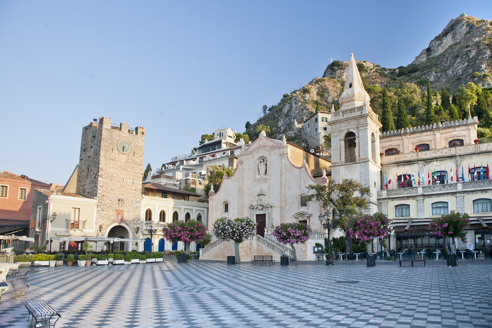 Things to do in Taormina main square