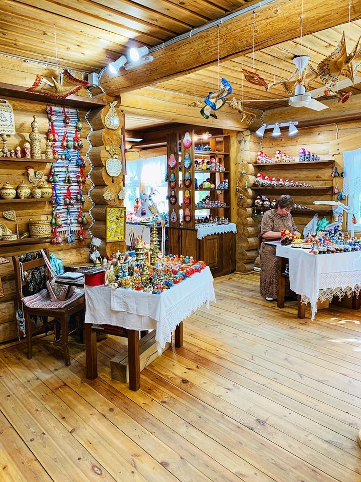 Russia River Cruise Mandrogy souvenirs