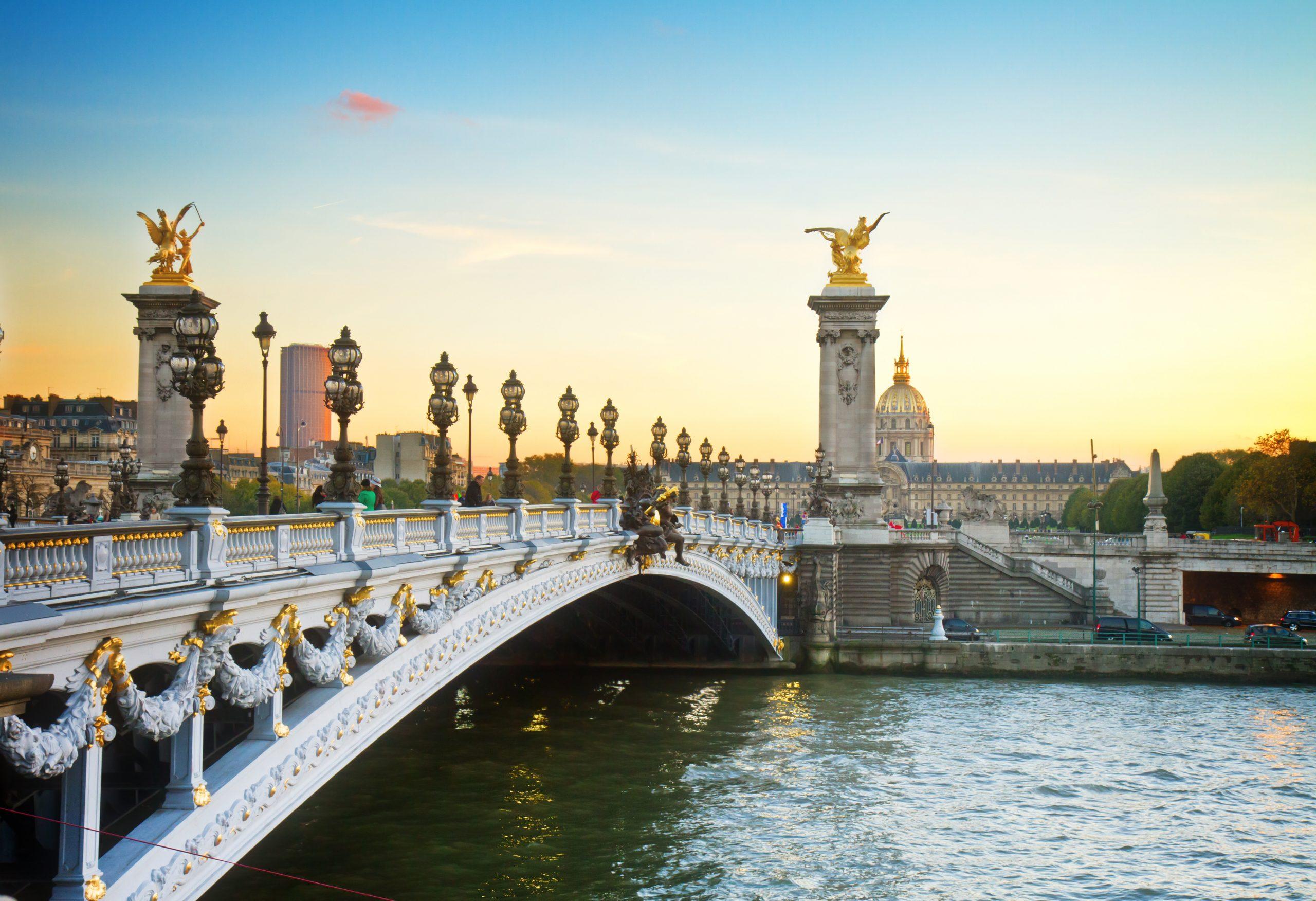 the best views in Paris can be found at Ponte Alexander bridge