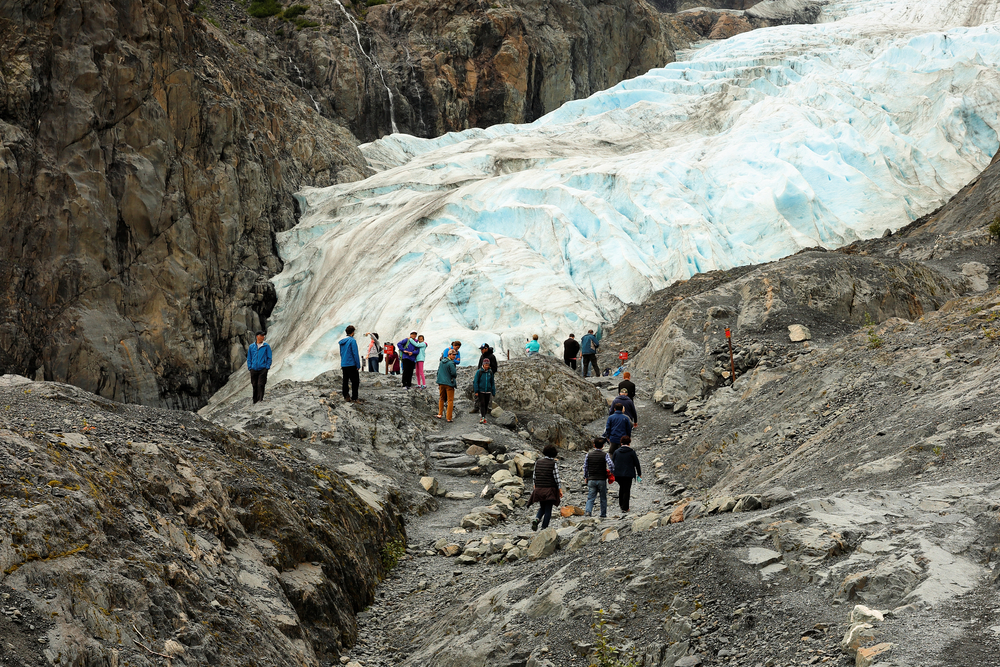 Tourists on Exit Glacier trails