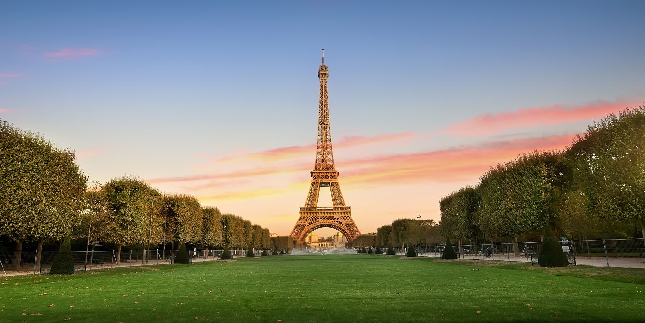 On your Paris 3 day itinerary make a stop at the Eiffel Tower