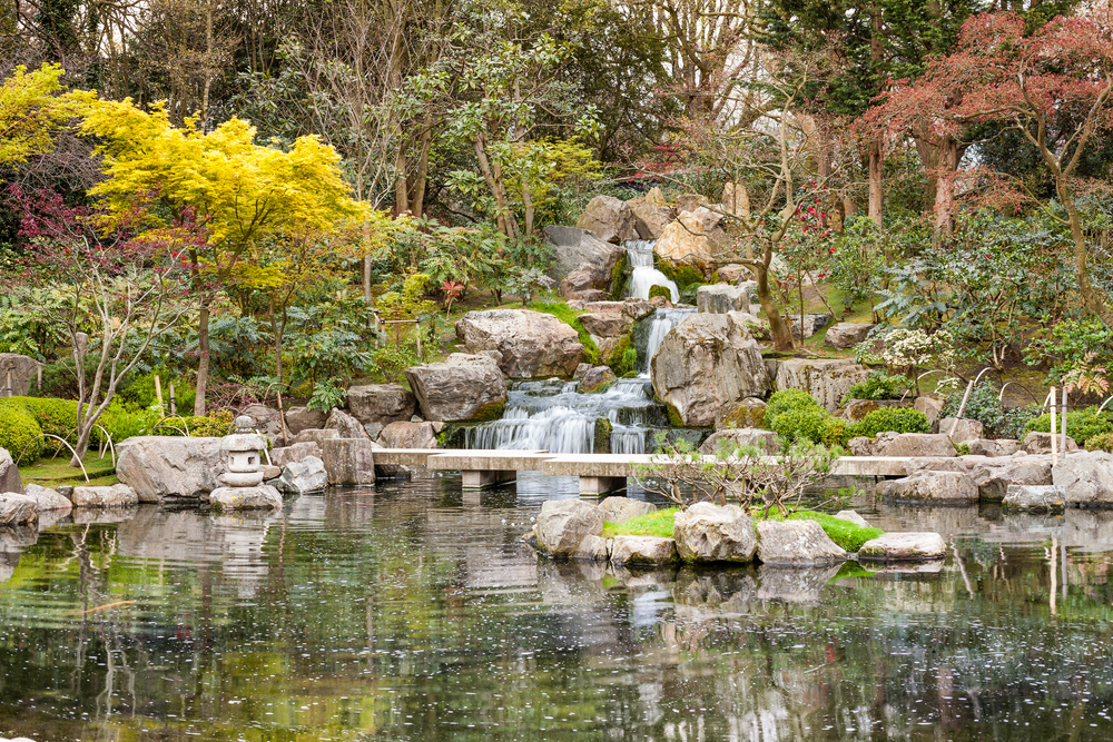 The best time to visit London and Paris is anytime you to see Kyoto Gardens