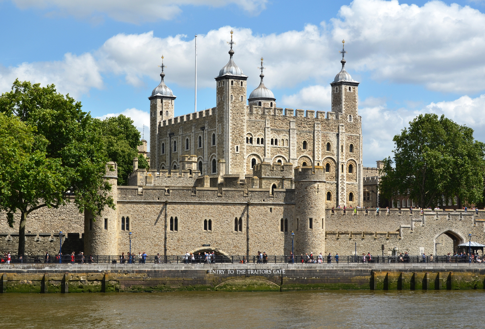 Travel from London to Paris should include a visit to Tower of London