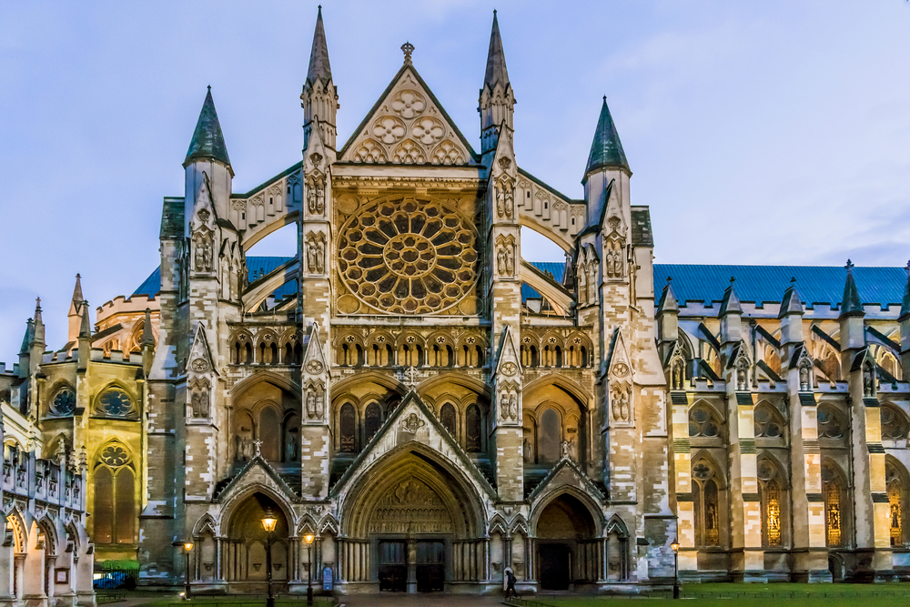 See Westminster Abbey in your Paris and London trip