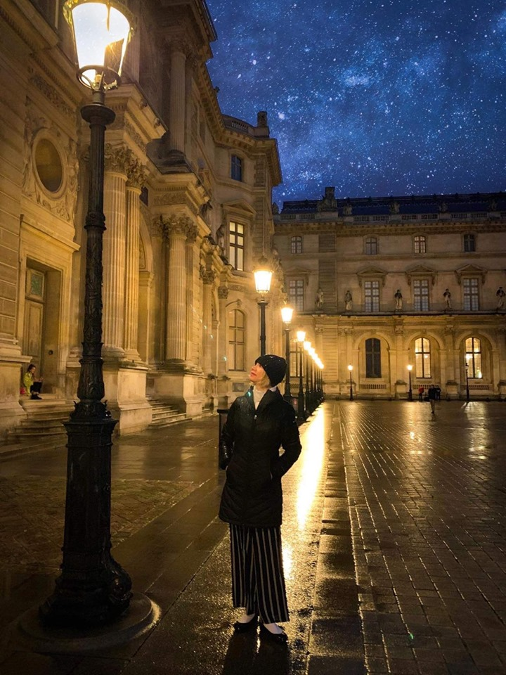 Paris instagram spopt include Louvre at night