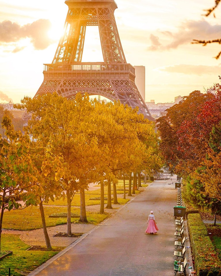 Instagrammable Places in Paris Street Near the Eiffel Tower