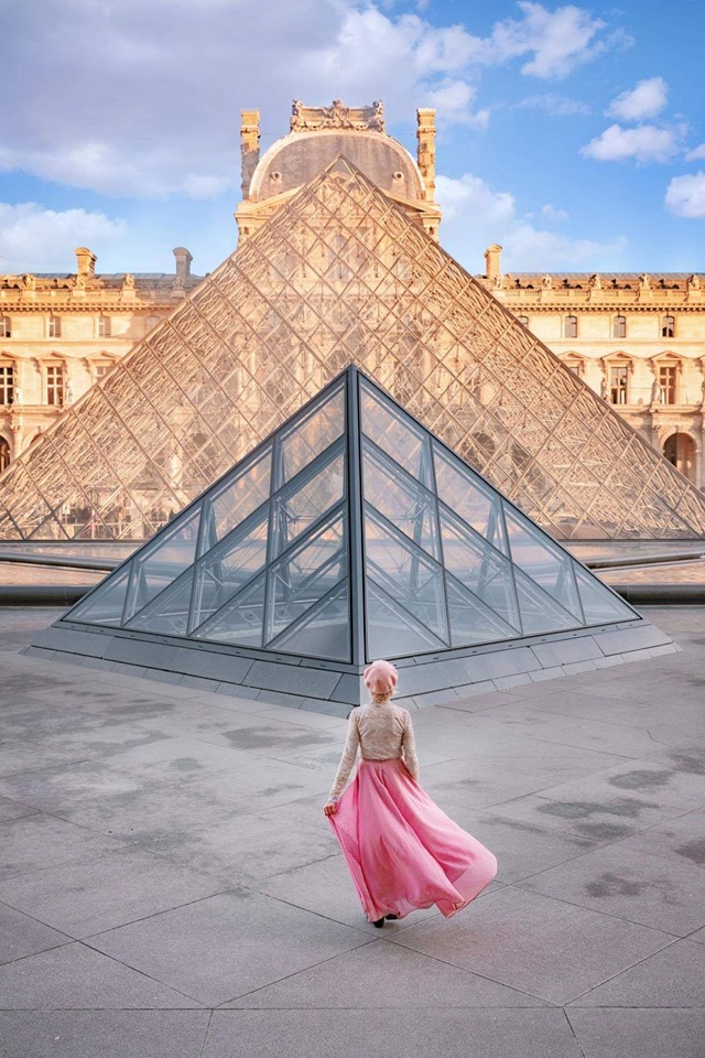 The Louvre Pyramids are the best instragrammable places in Paris