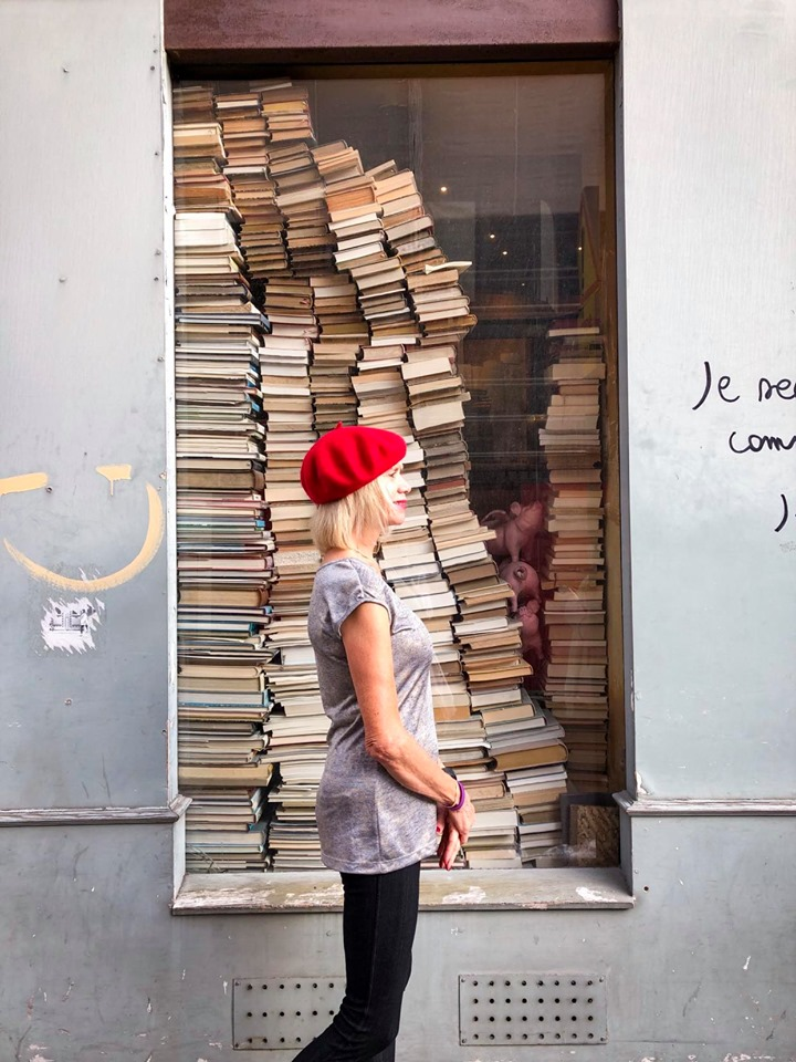 Bookstore at Galeries Vivienne makes for a perfect instagram picture