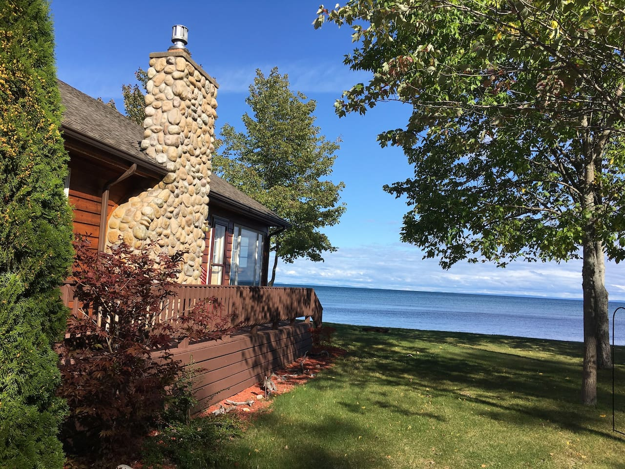 Paradise View Airbnb in Michigan offers beautiful views of Lake Superior