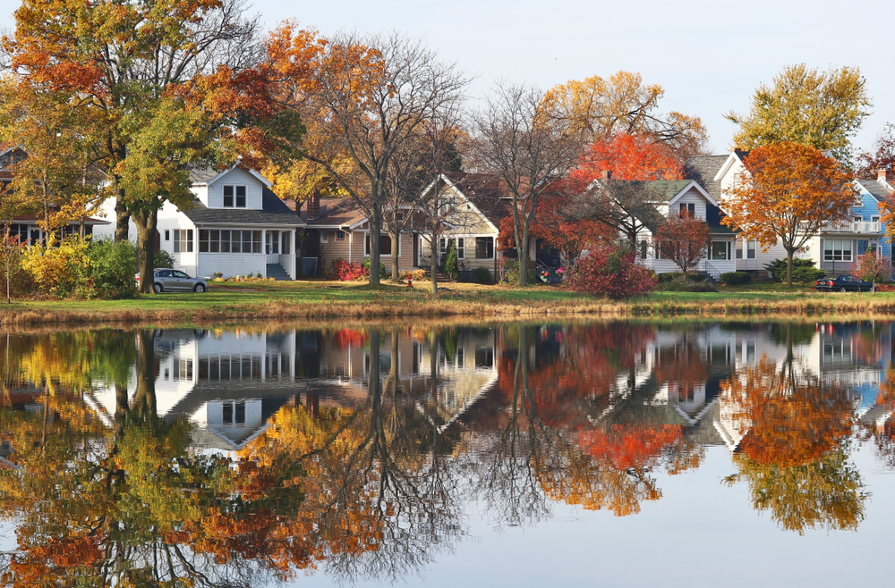 beautiful Wisconsin town awash in autumnal colors