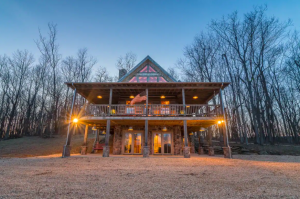 luxurious two story cabin at dusk Airbnbs in Virginia