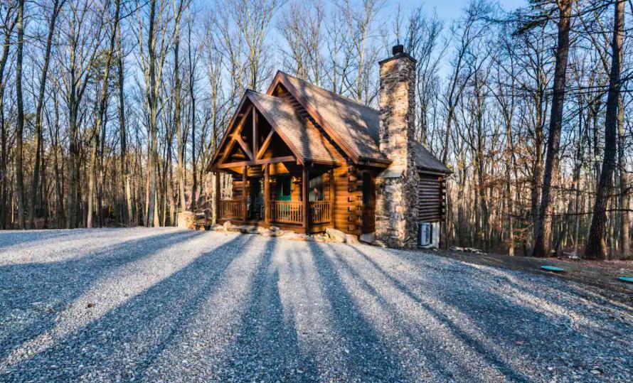 snowy log cabin cabins in Pennsylvania