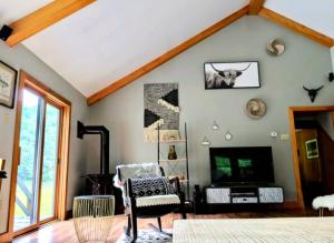 modern cabin interior cabins in Pennsylvania