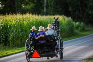 amish riding in horse and buggy romantic getaways in Ohio