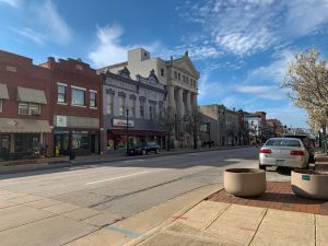 main street of Bowling Green towns in Ohio